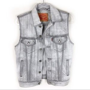 Levi Strauss & Co- Men's Jean vest size: s